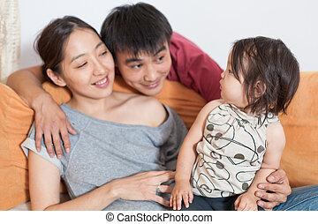 glückliche familie, hause