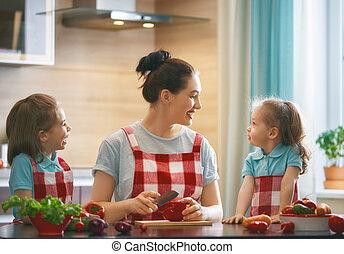 glückliche familie, in, der, kitchen.