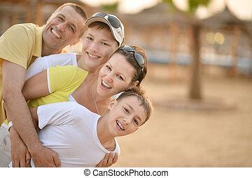 glückliche familie, in, der, sommer