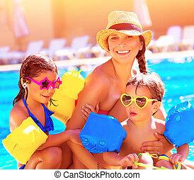 glückliche familie, in, sommer urlaub
