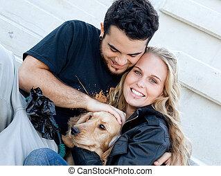 glückliche familie, mann- frau, und, haustier, hund