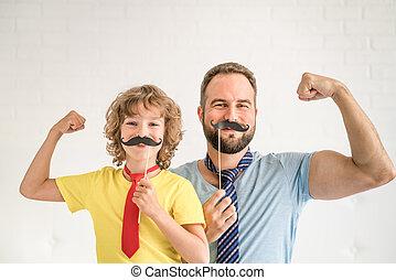 glückliche familie, spielende , in, daheim
