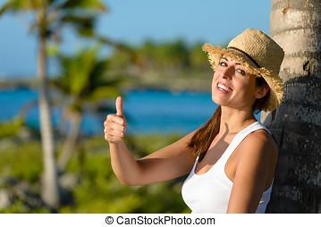 glückliche frau, auf, tropischer urlaub, mit, daumen hoch