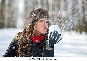 glückliche frau, draußen, junger, schnee