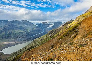 Glacial lake - Beautiful photo of a glacial glacial lake and...