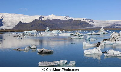 Glacial lake Jokulsarlon, Iceland - Panoramic view of...