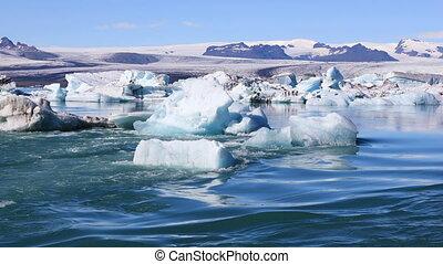 Glacial lake Jokulsarlon in Iceland - Amazing view of...