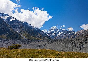 Glacial moraine Aoraki Mt Cook Hooker valley NZ - Aoraki...