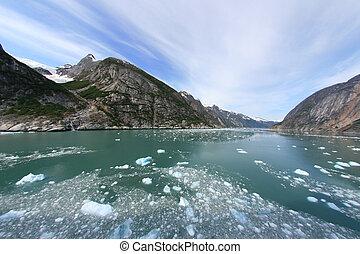 Glacier Bay, Alaska, USA - Glacier Bay Fjord - the icy ...