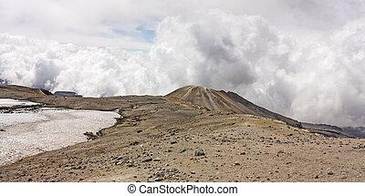 Glacier Volcano Nevado del Ruiz, in Los Nevados Parque Nacional Natural. Due to climate change, the glacier is running. Of the 14 glaciers that had in the twentieth century in Colombia, today only 6.