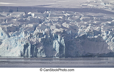 glaciers slipping on the coast of the Antarctic Peninsula 1