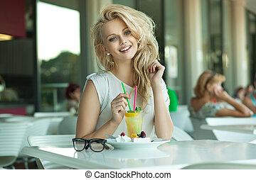 glad, blondin, dricka, hinder, ung