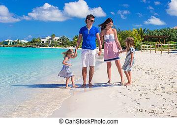 glad släkt, av, fyra, på, strand semester