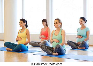 glade, gravide kvinder, exercising, yoga, ind, gymnastiksal