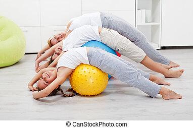 glade, sunde, folk, exercising, hjem hos