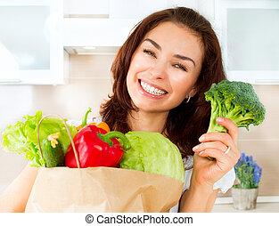 glade, ung kvinde, hos, grønsager, ind, indkøb, bag., diæt,...