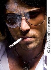 glamour, den, stående, av, den, man, vilket, rökar, a, cigarett