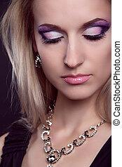 glamour, stående, av, vacker kvinna, modell, med, ögon, skuggor, makeup.