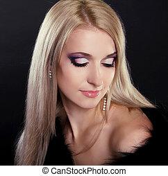 glamour, stående, av, vacker kvinna, modell, med, smink, och, romantisk, hairstyle.