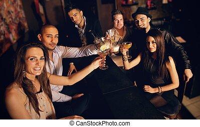 glas anheben, und, feiern, mit, uns