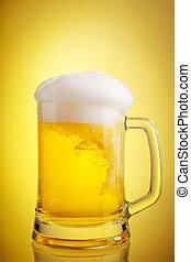 glas bier, nahaufnahme, mit, bierschaum, aus, gelber...