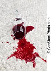 glas, carpet., vieze , rode wijn