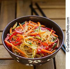 glas, groentes, noedel