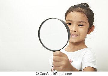 glas, meisje, vergroten, aziatisch kind