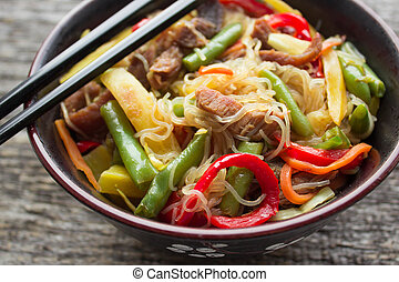 glass noodles with vegetables and beef - glass noodles with...