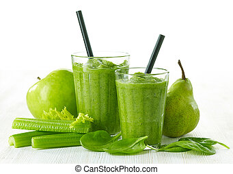glass of green smoothie