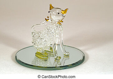 Glass souvenir in the form of a cat