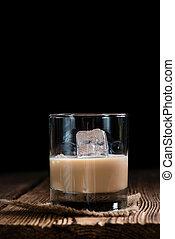 Glass with Cream Liqueur - Glass with original Irish Cream ...