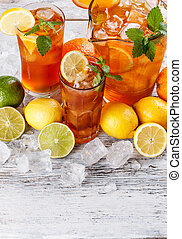 Glasses of iced tea