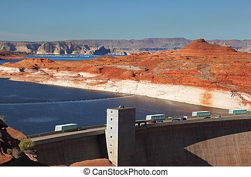 Glen Canyon Dam in California