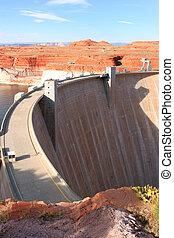 The Glen canyon dam and surroundings.