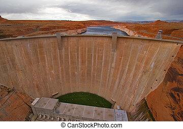 Glen Canyon Dam - Glen Canyon Dam on the river Colorado in...