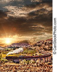glenfinnan, jacobite, sur, viaduc, ecosse, lac, contre, train, coucher soleil, ferroviaire, vapeur