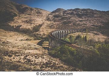 glenfinnan, pays montagne, viaduc, ecosse, occidental, ferroviaire