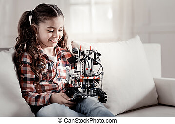 glimlachen gelukkig, robot, meisje, vasthouden