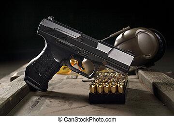 Glock pistol, sharp weapon - Glock pistol, cartridges and...