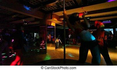 go-go, club, danser