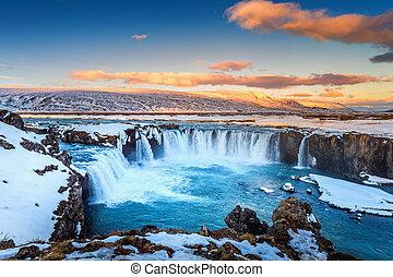 godafoss, coucher soleil, hiver, chute eau, iceland.