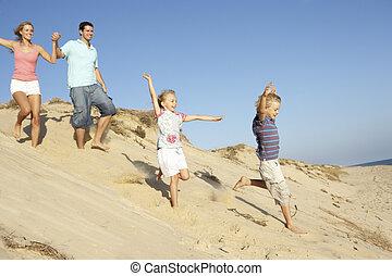 godere, famiglia, duna, giù, correndo, vacanza, spiaggia