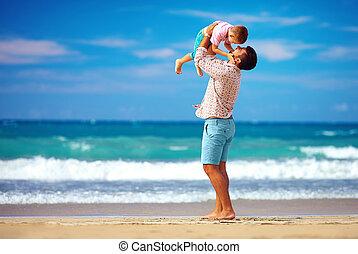 godere, spiaggia, vita, estate, padre, figlio, gioco, eccitato felice