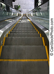 Going Down - Empty elevator going down