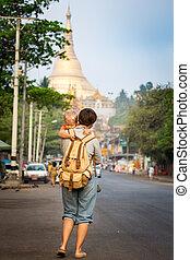 Going to Shwedagon pagoda
