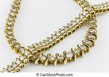 Gold Diamond Necklace and Bracelet - Beautiful and dazzling ...