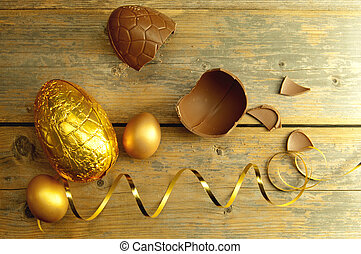 Gold easter egg - Chocolate easter eggs with decoration...