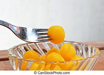 gold egg yolk drop Thai sweet in fo