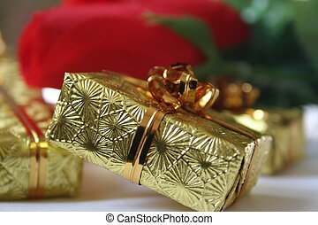 gold gift box II